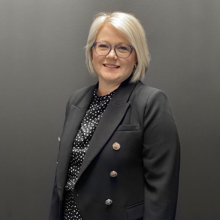 Karen Challis